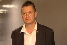 Силовики увели екатеринбургского афериста из-под венца в отдел полиции
